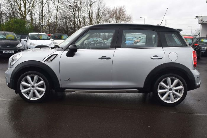 Mini Countryman 2.0 Cooper SD ALL4 5dr Auto SUV Diesel Silver