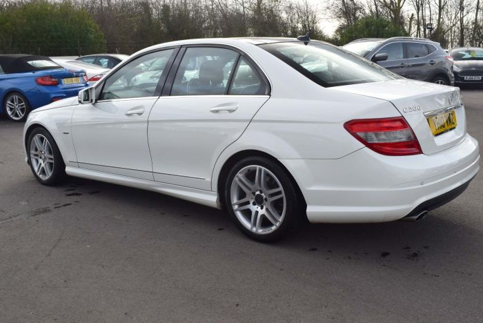 Mercedes-Benz C Class 2.1 C200 CDI BlueEFFICIENCY Sport 4dr Auto Saloon Diesel White