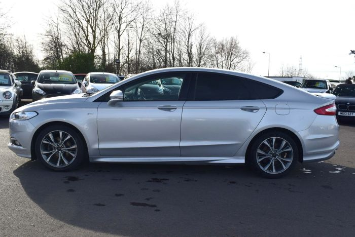 Ford Mondeo 2.0 TDCi ST-Line Powershift (s/s) 5dr Auto Hatchback Diesel Silver