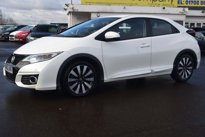 Honda Civic 1.8 i-VTEC SE Plus (s/s) 5dr Hatchback Petrol White