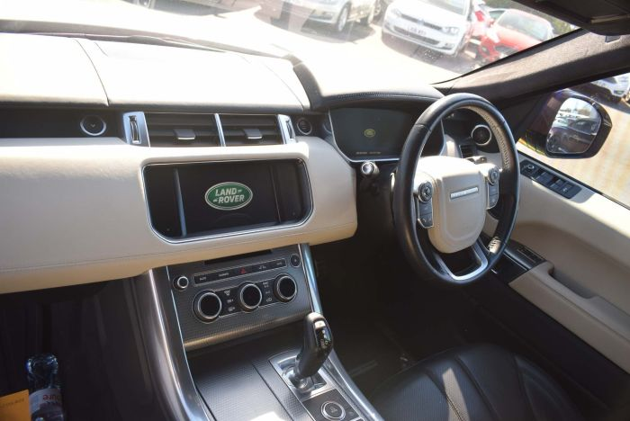 Land Rover Range Rover Sport 3.0 SD V6 Autobiography Dynamic 4X4 (s/s) 5dr SUV Diesel White
