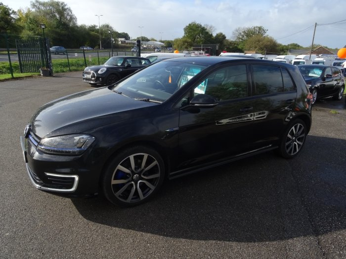 Volkswagen Golf 1.4 Gte 5dr electric hybrid auto Hatchback Hybrid Black