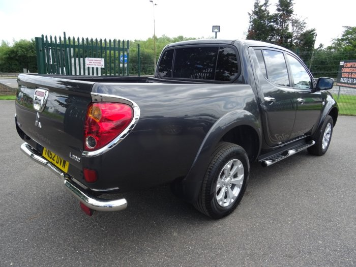 Mitsubishi L200 2.5 di-D 4x4 Barbarian Lb Dcb Pick-up Diesel Grey